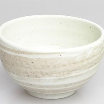 Cremefarbene Keramik Matchaschale 13x8cm
