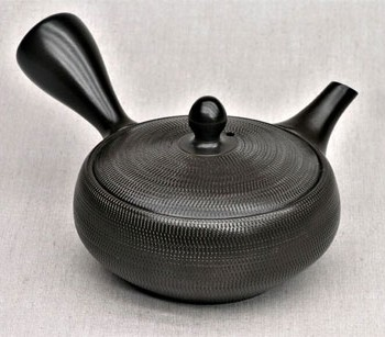 Teekanne-Kyusu-schwarz-flach-220ml